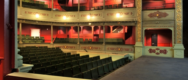 Bristol Old Vic - auditorium 2 - resize photo by Philip Vile.jpg